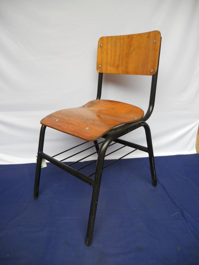 Como barnizar una silla brocha y barniz with como for Como barnizar un mueble ya barnizado